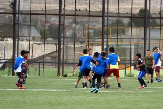 El fútbol de los Barrios volvió con todos los protocolos sanitarios en Caleta Olivia