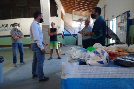 Lago Puelo | Chubut Deportes entregó insumos deportivos