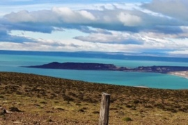 Gobernador Gregores movilizado: buscan kayakistas en el Lago Cardiel