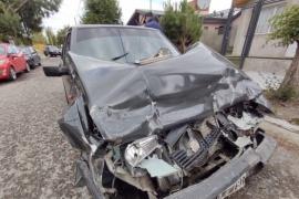 Chocó dos vehículos y se dio a la fuga en Río Gallegos