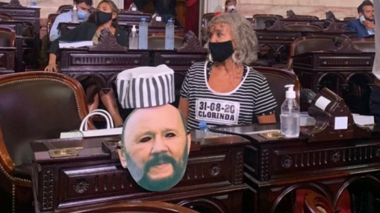 Diputada se disfrazó de presa para reclamar contra el gobierno de Formosa
