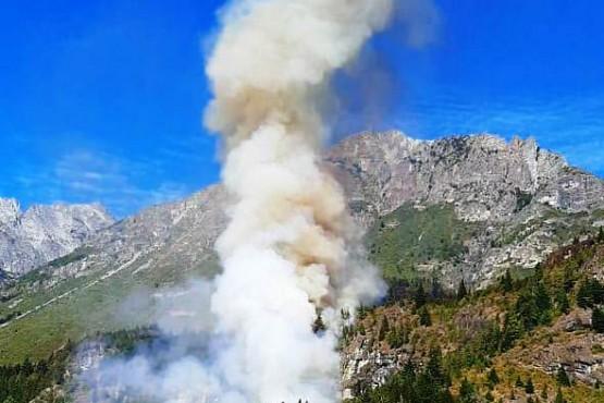 Incendio en El Hoyo.