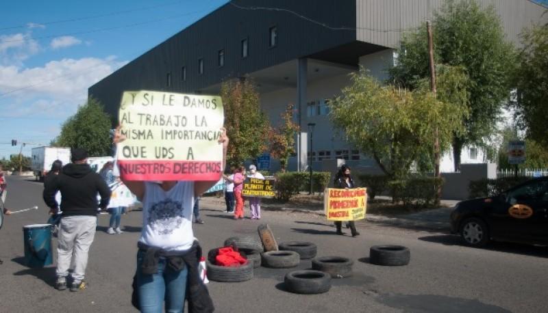 Enfermeros continúan con las marchas en Río Gallegos
