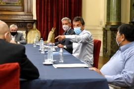 Massa y Arcioni estudiaron proyecto de Ganancias con dirigentes petroleros