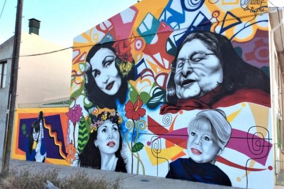 La historia de Jonadaf y La Tigra, autores de los murales en la ciudad.