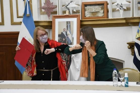 Santa Cruz firmó convenios con el Ministerio de Seguridad de Nación