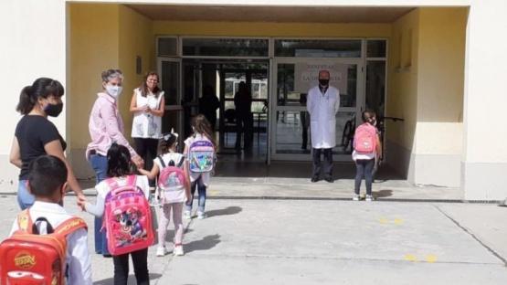 Inició el ciclo lectivo en Educación Primaria en Santa Cruz