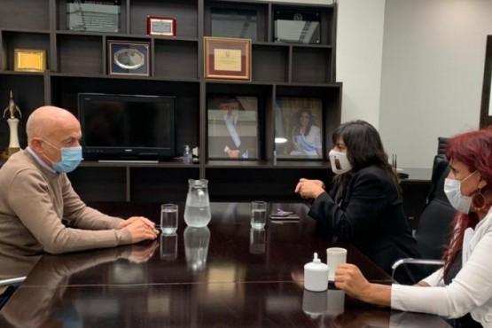 Fernando Cotillo se reunió con la secretaria de DDHH y a la subsecretaria de las  Mujeres de Santa Cruz