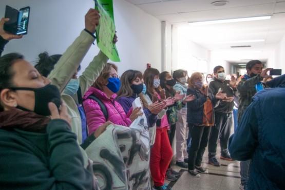Enfermeros tomaron las instalaciones del Ministerio de Salud de la Provincia. Hay alarma en la cartera sanitaria provincial.
