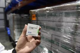 Comienza la distribución de 406.800 vacunas Sinopharm: cuántas recibirá Santa Cruz