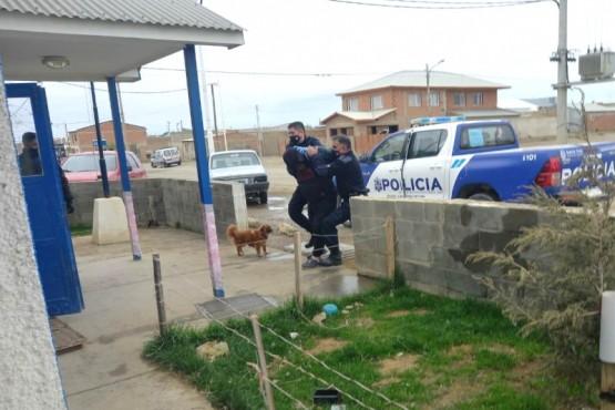 El sujeto fue aprehendido y trasladado a la Comisaría Séptima.