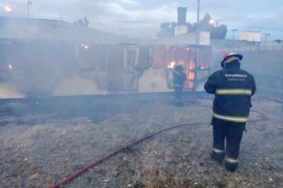 La casilla fue consumida en su totalidad por el fuego. (Foto: C.G.)