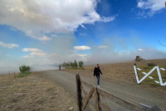 El humo a raíz del incendio.