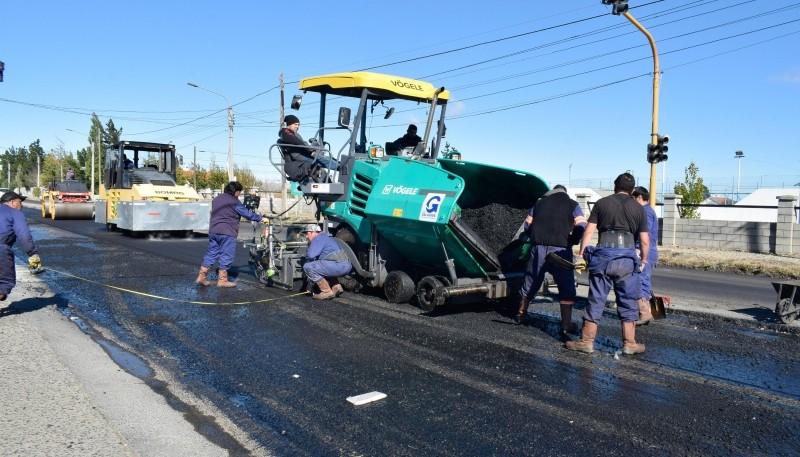 Continúa el asfalto en la Avenida San Martín de Río Gallegos