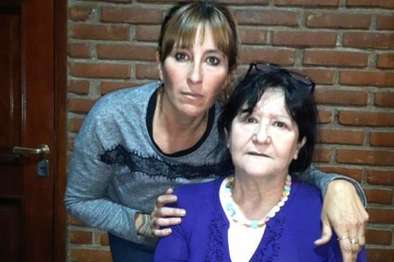 Marcela y Marta, hermana y madre de Juan Manuel Padrón.
