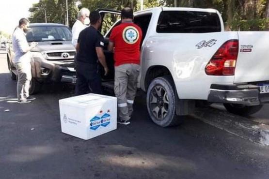 Escándalo en Corrientes: el ministro de Salud llevaba vacunas sin protocolo y chocó