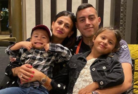 El jugador con su familia.
