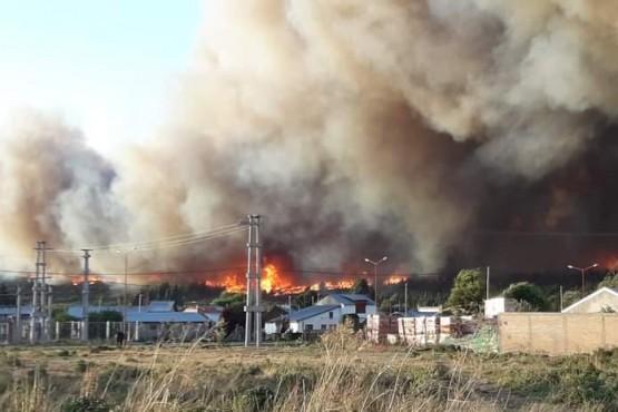 El Gobierno del Chubut puso a disposición los recursos para combatir los incendios en la Cordillera