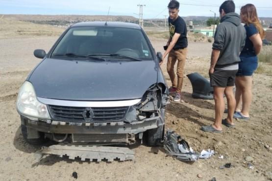 El conductor había perdido el control del Renault Symbol de color gris.