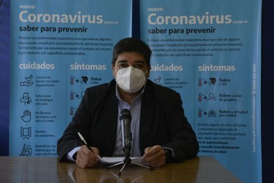 El ministro García anunció la vacunación para los mayores de 75 años.