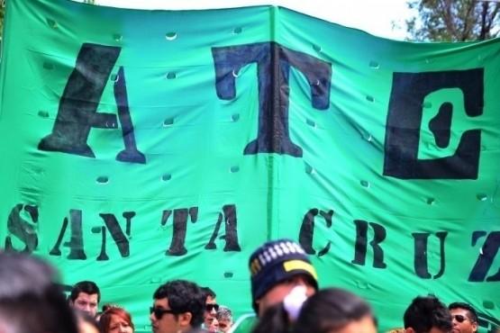 Bandera de ATE en movilización (foto archivo).