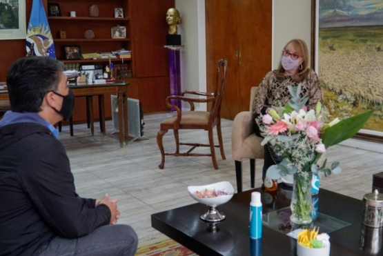 Alicia Kirchner se reunió con el diputado Jorge Verón