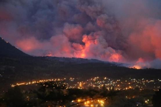 Incendio en la cordillera de Chubut.