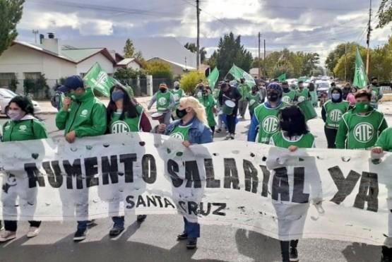 ATE marchó por las localidades de Santa Cruz.