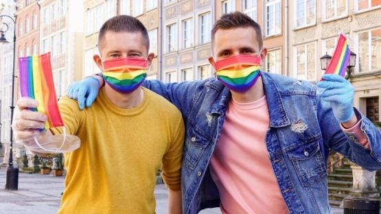 Polonia prohibirá que los gays adopten, aunque sean padres solteros