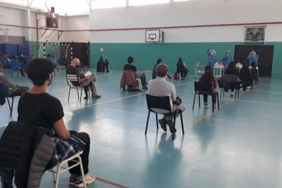 33 docentes se vacunaron contra el COVID en El Chaltén