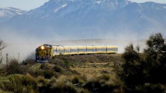El Tren Patagónico suma un vagón para trasladar donaciones a la Comarca Andina