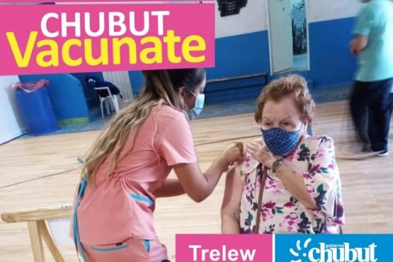 Chubut aplicó 23.524 dosis de la vacuna contra el COVID-19 a personas comprendidas en grupos priorizados