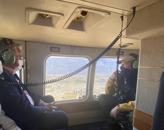 El Presidente sobrevuela la zona.