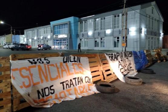 Reclamo en las afueras del Ministerio de Salud (Foto: C. González))