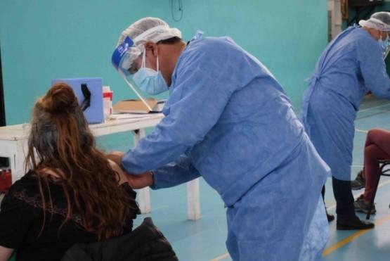 Continúa la campaña de vacunación en El Chaltén.