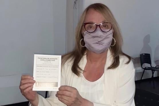 Alicia Kirchner se aplicó la primera dosis de la vacuna contra el COVID-19