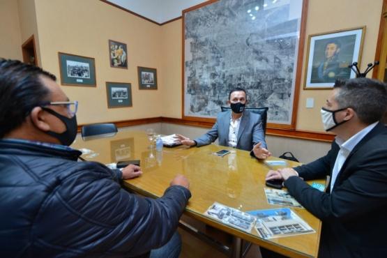 El intendente Adrián Maderna repasó las obras para Trelew junto a la UOCRA