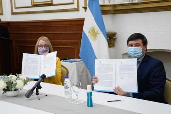 Alicia junto a Daniel Arroyo.