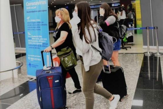 Ultiman DNU con nuevas medidas para desalentar los viajes al exterior