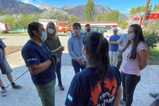 Gestionan ayuda para los bomberos y las familias afectadas por los incendios en Chubut