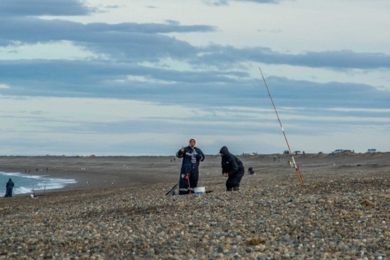 Los ganadores del concurso de pesca en Punta Loyola