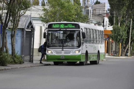Usuarios reclaman por el transporte público de la Línea C
