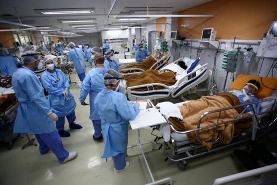 Brasil superó las 300.000 muertes por COVID-19 en trece meses de pandemia