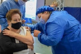 Jornada intensa de vacunación a mayores