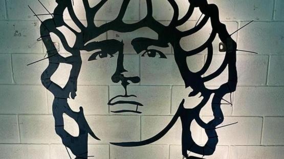 La embajada argentina en Italia emplazará una escultura de Maradona