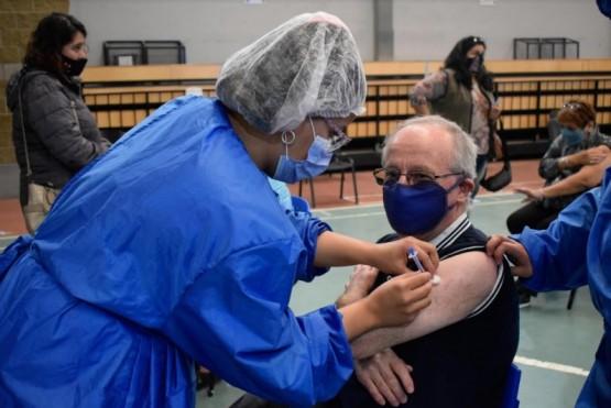 Ayer comenzó la vacunación a mayores de 68.