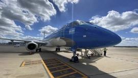 Parte hacia China un nuevo vuelo para traer dosis de Sinopharm