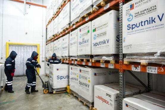 Llegan 3000 dosis Sputnik V a Santa Cruz