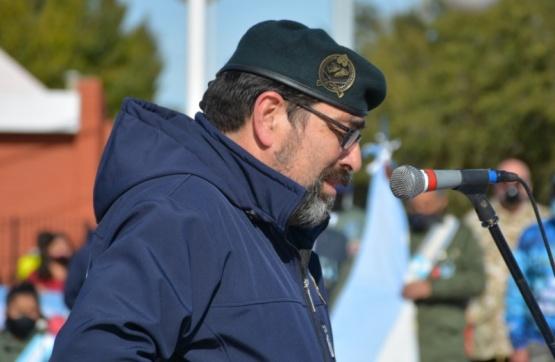 Fernando Alturria, (C.R)