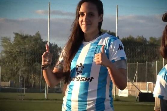 Racing presentó la nueva camiseta de su equipo femenino con un detalle que emocionó a las jugadoras